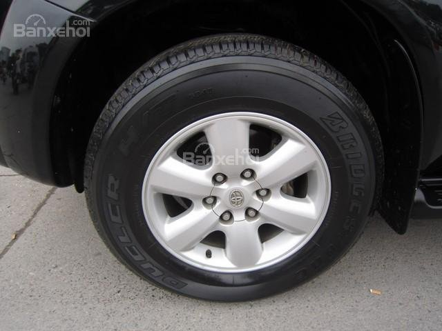 Cần bán Toyota Fortuner đời 2010, màu đen, giá tốt-5