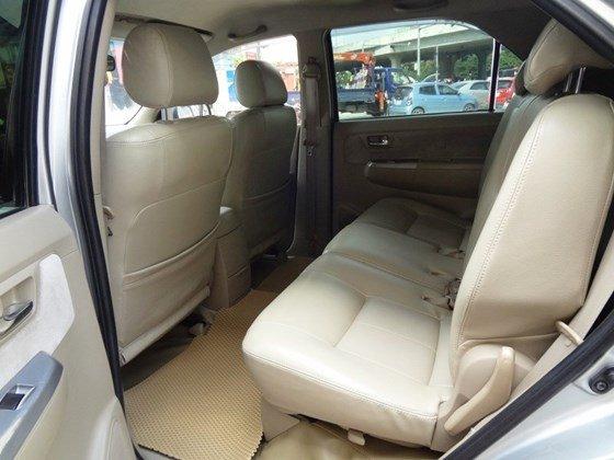 Bán xe Fortuner G, sản xuất 2010, và đăng ký 2011 máy dầu số sàn, màu bạc, tên cá nhân một chủ từ đầu-6