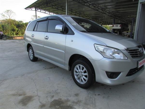 Cần bán xe Toyota Innova - cũ trong nước sản xuất 2012, màu bạc xe còn rất đẹp-0