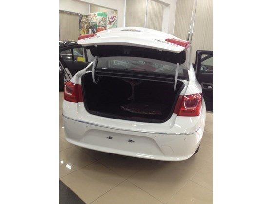 Bán xe Chevrolet Cruze năm 2015, màu trắng, nhập khẩu nguyên chiếc nhanh tay liên hệ-1