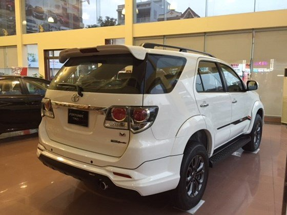 Xe Toyota Fortuner đời 2015, màu trắng, nhập khẩu có xe giao ngay-2