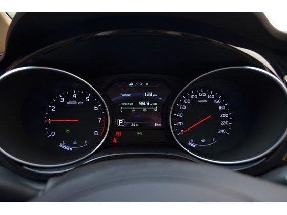 Cần bán xe Kia Sedona DAT đời 2015, màu đen, xe nhập-13