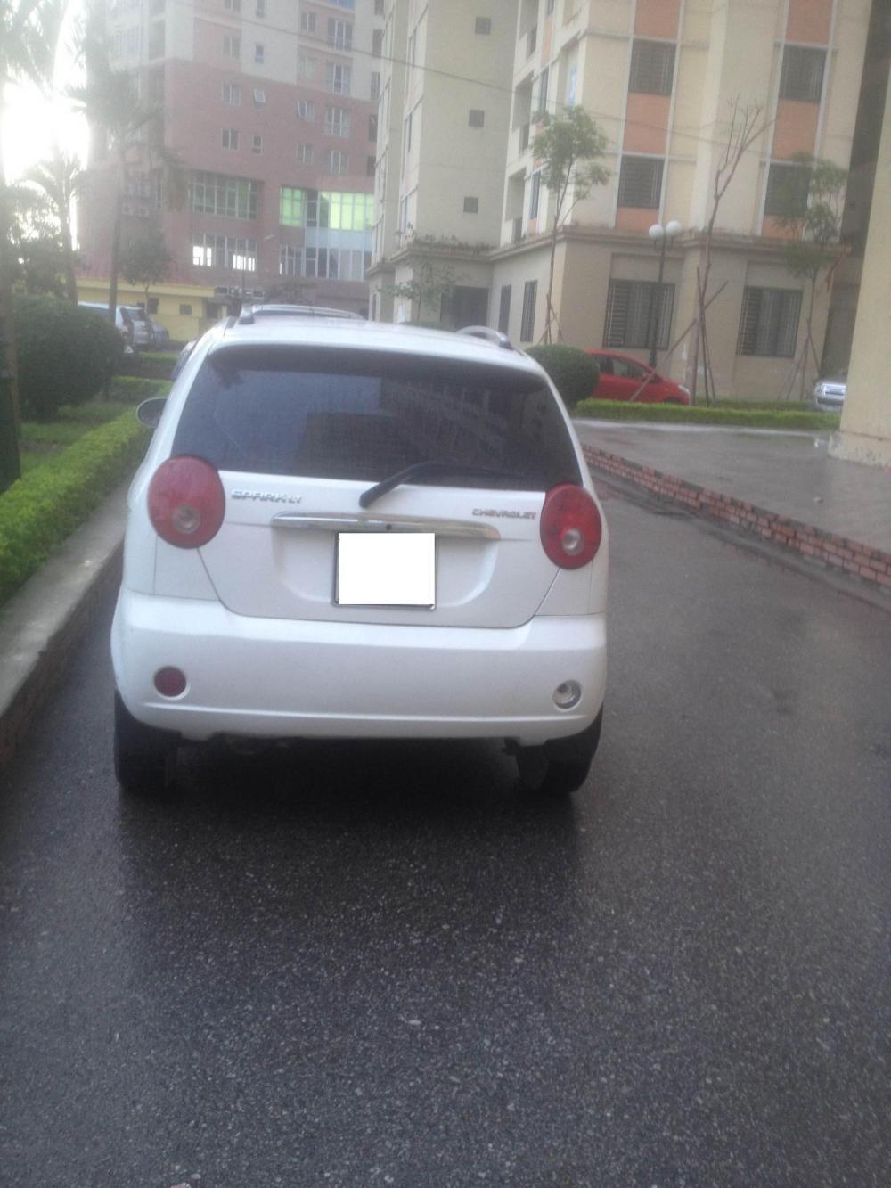 Chính chủ cần bán xe Chevrolet Spark 2010, màu trắng, như mới-3
