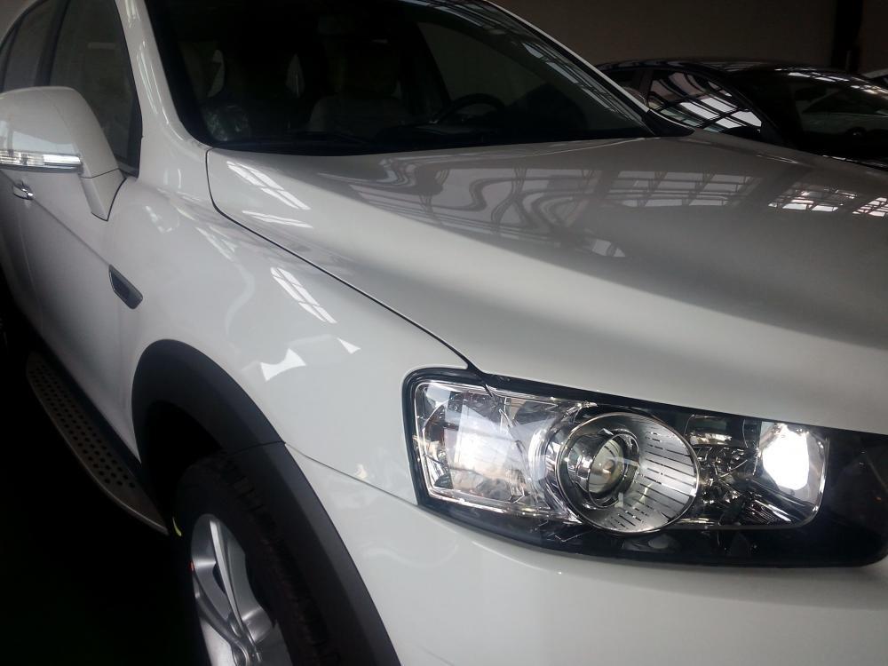 Chevrolet Captiva đời 2015, màu trắng giá cạnh tranh-5