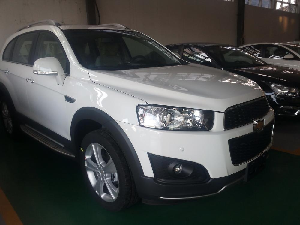 Chevrolet Captiva đời 2015, màu trắng giá cạnh tranh-6