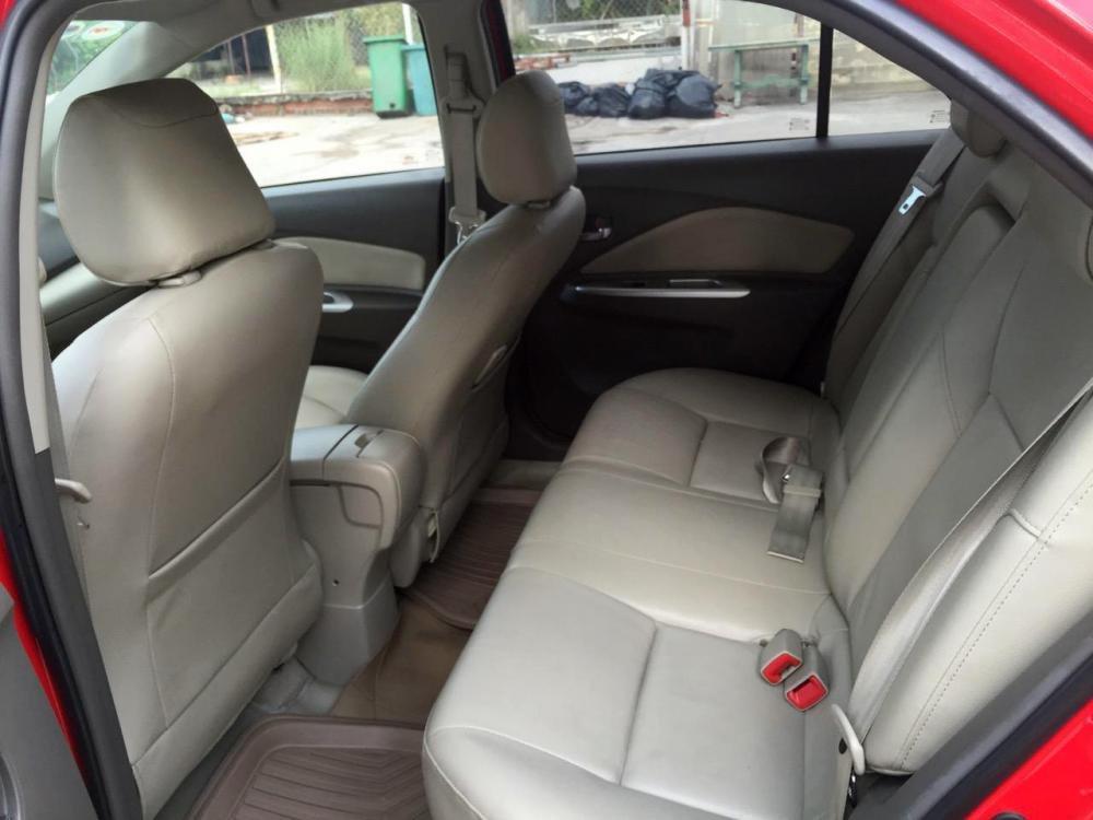 Cần bán Vios số tự động SX cuối 2012 màu đỏ, xe gia đình sử dụng kĩ-8
