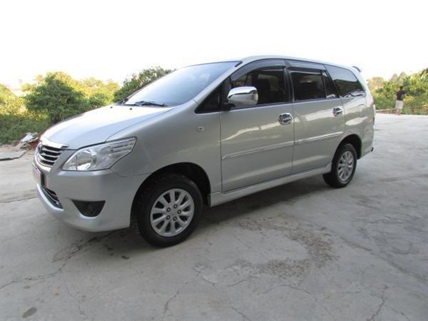 Cần bán xe Toyota Innova - cũ trong nước sản xuất 2012, màu bạc xe còn rất đẹp-4