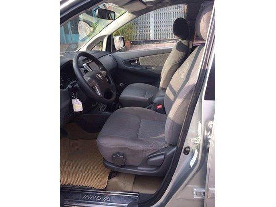 Toyota Innova G, màu bạc ĐK T1/2014, mua mới 100%, gia đình sử dụng rất kỹ, mới 98% nhanh tay liên hệ-1