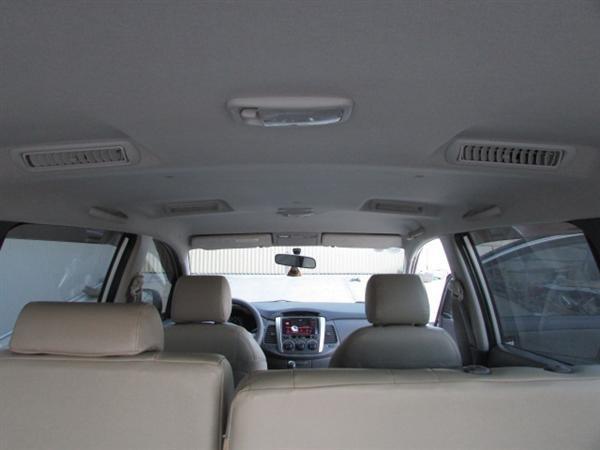 Cần bán xe Toyota Innova - cũ trong nước sản xuất 2012, màu bạc xe còn rất đẹp-5