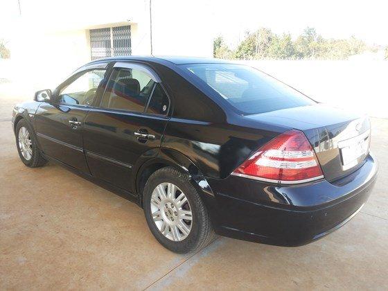 Cần bán xe Ford Mondeo màu đen, xe đẹp chính chủ bán -0