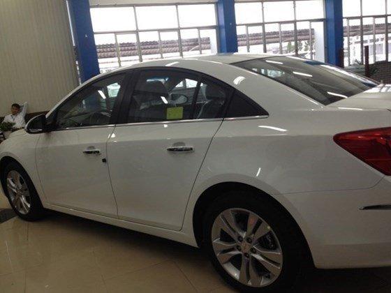 Bán xe Chevrolet Cruze năm 2015, màu trắng, nhập khẩu nguyên chiếc nhanh tay liên hệ-5