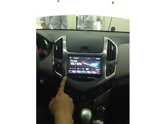 Bán xe Chevrolet Cruze đời 2015, màu đen, xe nhập, giá tốt nhanh tay liên hệ-3