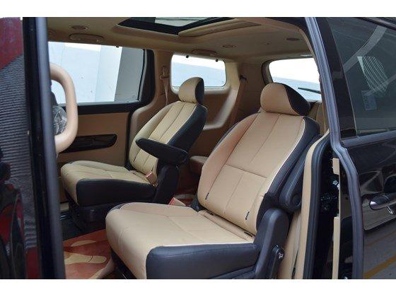 Cần bán xe Kia Sedona DAT đời 2015, màu đen, xe nhập-8