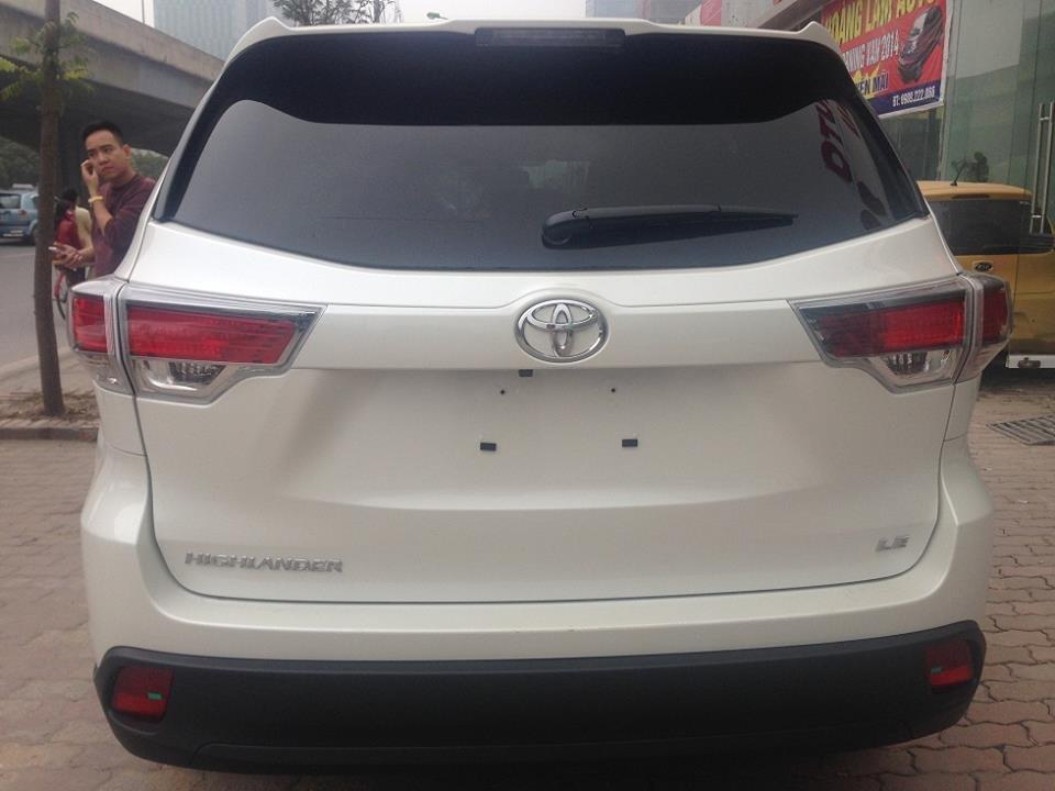 Toyota Highlander LE màu trắng sản xuất 2014, model 2015, xe mới 100%-3