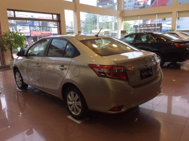 Cần bán xe Toyota Vios đời 2015 giá tốt xe đẹp-3