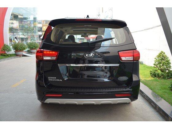 Cần bán xe Kia Sedona DAT đời 2015, màu đen, xe nhập-4