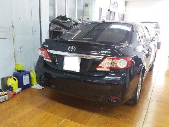 Bán ô tô Toyota Corolla Altis 1.8E 2010, màu đen, nhập khẩu nguyên chiếc  -4
