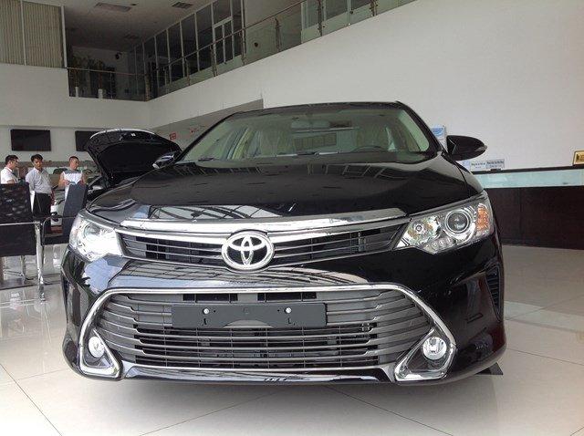 Bán xe Toyota Camry đời 2015, màu đen, nhập khẩu chính hãng nhanh tay liên hệ-0