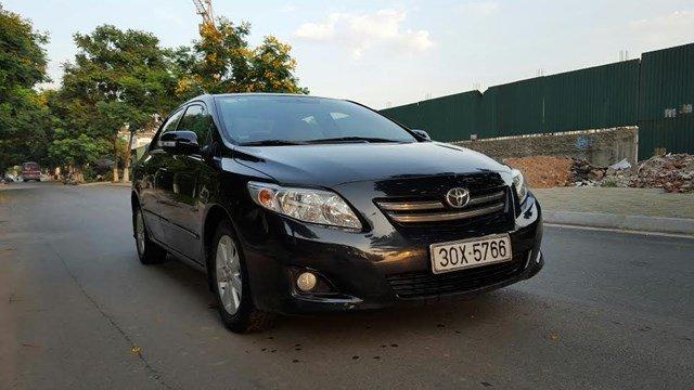 Bán Corolla Altis 1.8G mầu đen, số tự động chính chủ tư nhân từ đầu công chức sử dụng đầu 2011, SX2010-1
