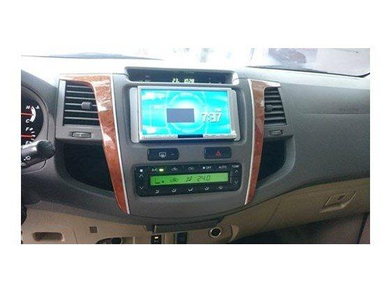 Toyota Fortuner 2.7 4x4 sản xuất 2011, đăng ký 11, màu bạc, số tự động, 2 cầu, máy xăng-3