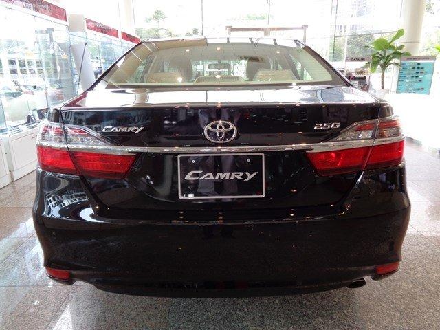Bán xe Toyota Camry đời 2015, màu đen giá tốt-4