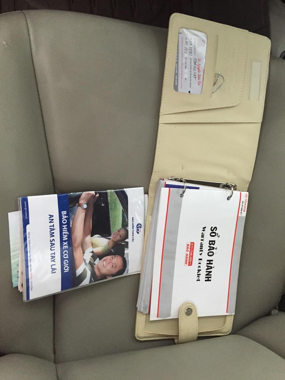 Cần bán Vios số tự động SX cuối 2012 màu đỏ, xe gia đình sử dụng kĩ-9