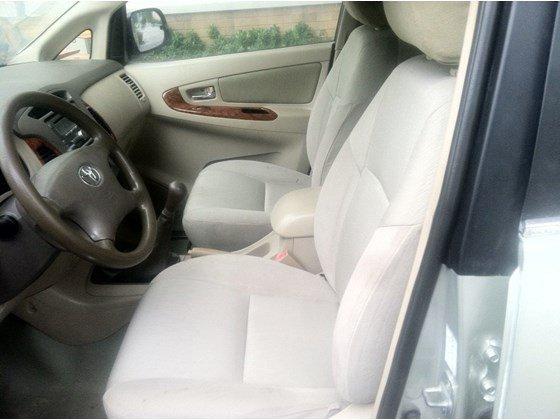 Tôi cần bán gấp xe Toyota Innova G SX năm 2008 đăng kí tên tư nhân một đời chủ sử dụng-4
