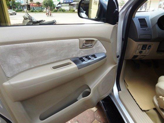 Bán xe Fortuner G, sản xuất 2010, và đăng ký 2011 máy dầu số sàn, màu bạc, tên cá nhân một chủ từ đầu-3