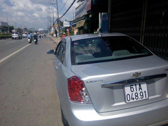 Bán xe Lacetti đời 2011 màu bạc, xe vô đủ đồ chơi-1