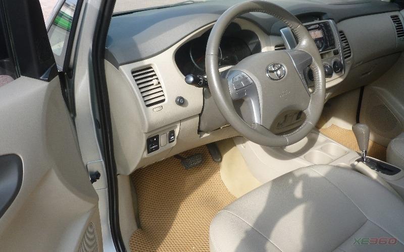 Bán Toyota Innova G màu bạc, sản xuất 2012, biển Hà Nội-4