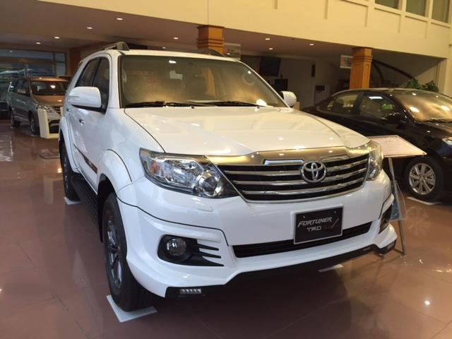 Toyota Fortuner 2015 – phiên bản mới nhất với sự thay đổi trong thiết kế đã mang lại một hình ảnh chiếc xe mới ấn tượng-4
