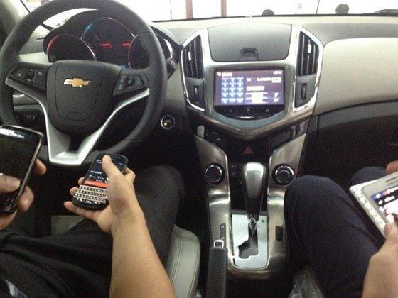 Bán xe Chevrolet Cruze đời 2015, màu đen, xe nhập, giá tốt nhanh tay liên hệ-4