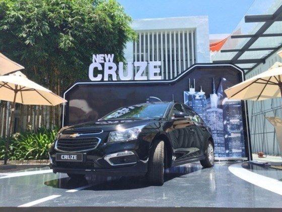 Bán xe Chevrolet Cruze đời 2015, màu đen, xe nhập, giá tốt nhanh tay liên hệ-2