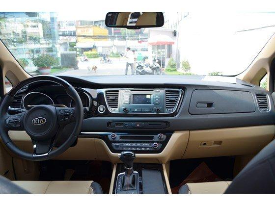 Cần bán xe Kia Sedona DAT đời 2015, màu đen, xe nhập-11