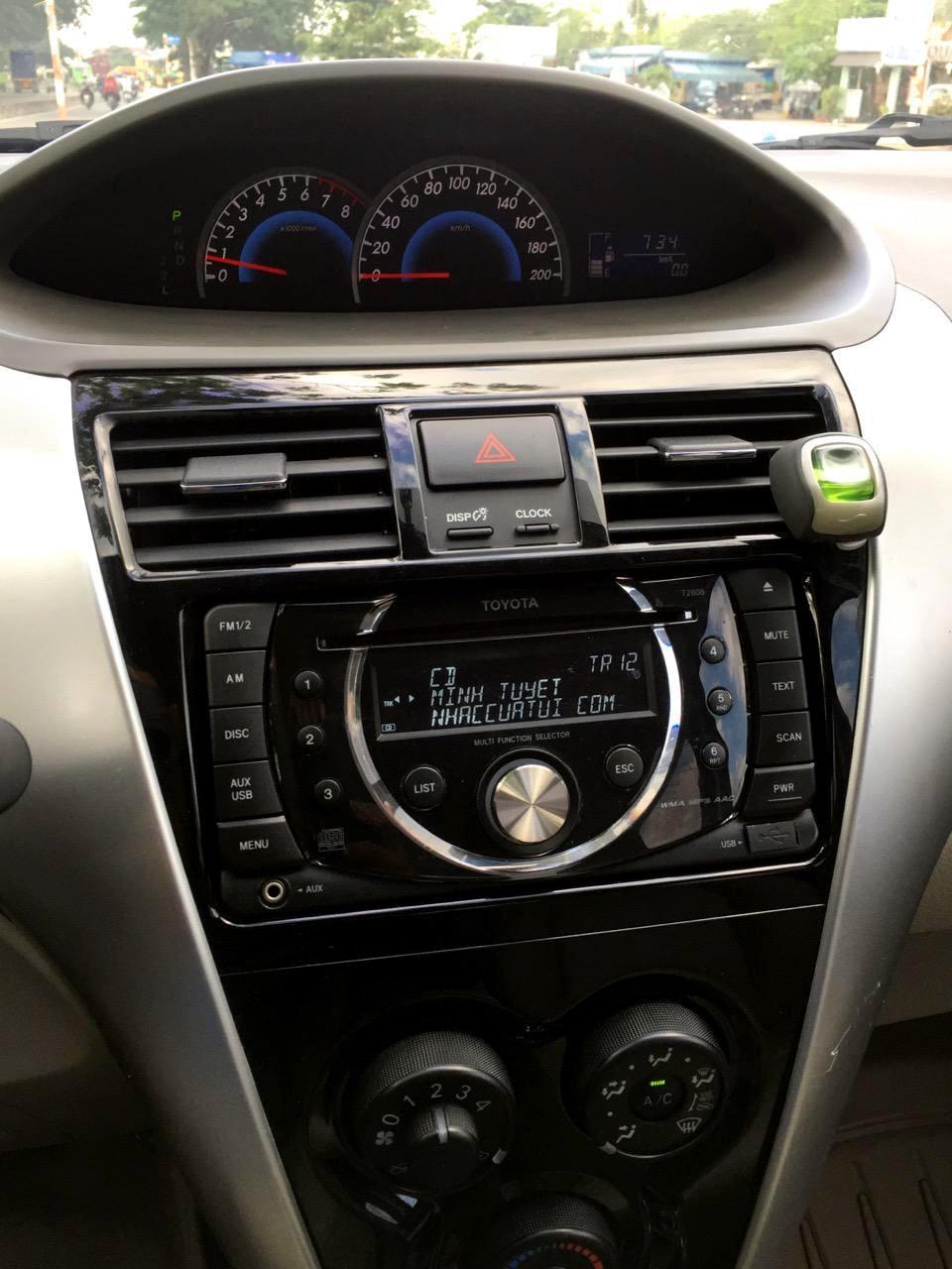 Cần bán Vios số tự động SX cuối 2012 màu đỏ, xe gia đình sử dụng kĩ-5