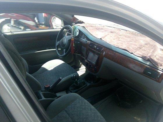Bán xe Lacetti đời 2011 màu bạc, xe vô đủ đồ chơi-2