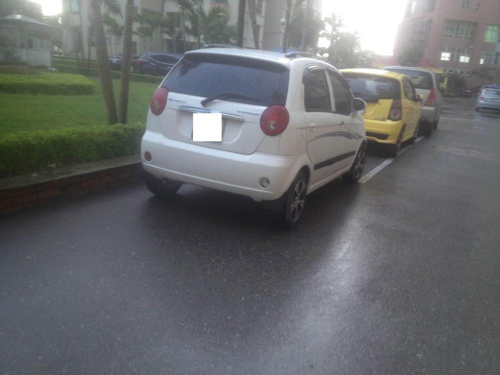 Chính chủ cần bán xe Chevrolet Spark 2010, màu trắng, như mới-1