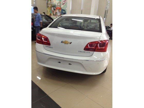 Bán xe Chevrolet Cruze năm 2015, màu trắng, nhập khẩu nguyên chiếc nhanh tay liên hệ-2