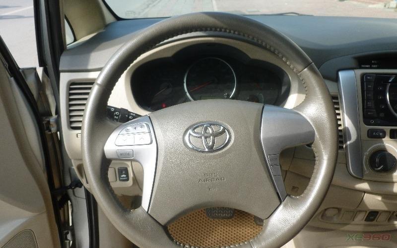 Bán Toyota Innova G màu bạc, sản xuất 2012, biển Hà Nội-7