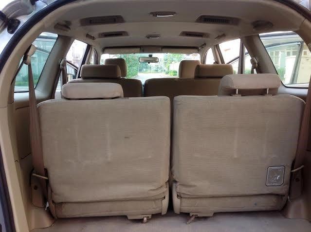 Gia đình tôi cần bán xe Innova G đời 2011-8