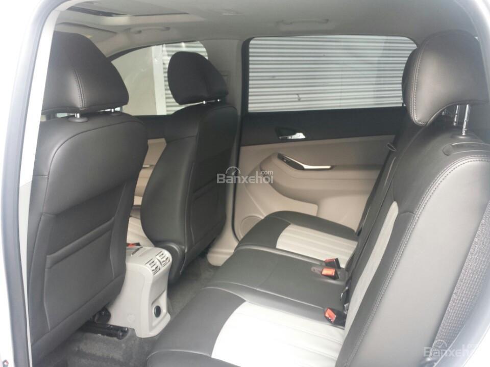 Bán xe Chevrolet Orlando 1.8 LTZ- AT sản xuất 2015, màu trắng - Người bạn tin cậy của gia đình-1