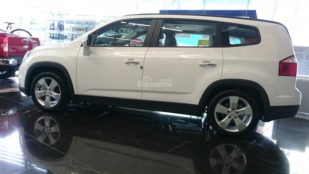 Bán xe Chevrolet Orlando 1.8 LTZ- AT sản xuất 2015, màu trắng - Người bạn tin cậy của gia đình-0