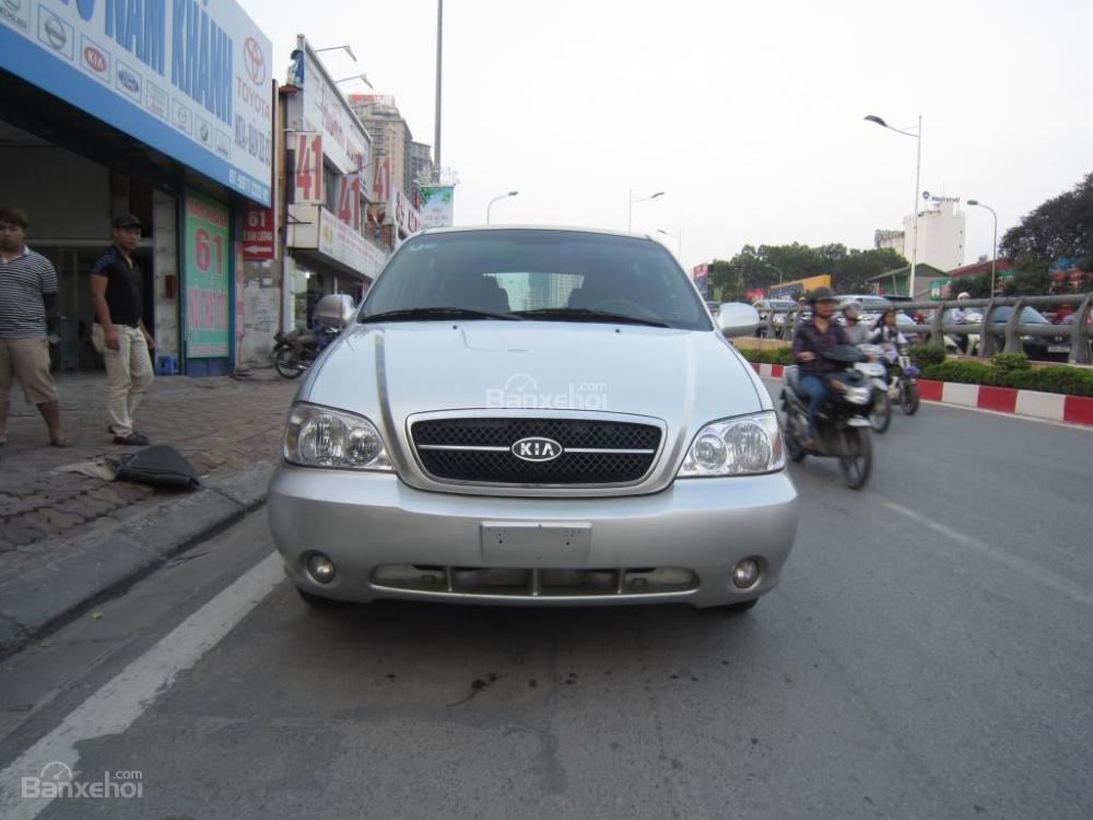 Cần bán lại xe Kia Carnival đời 2009 số tự động-0