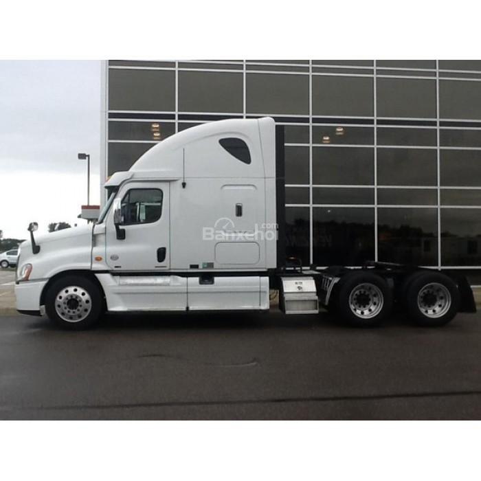 Bán xe đầu kéo Mỹ Freightliner Cascadia 2012 màu trắng, xe nhập nguyên chiếc -2