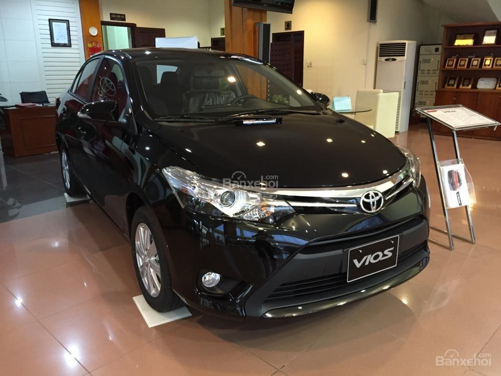 Cần bán Toyota Vios 1.5J sản xuất 2015, màu đen-6
