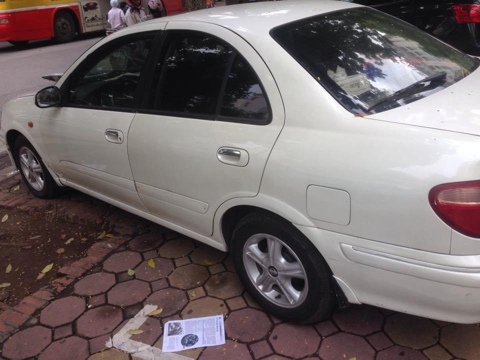 Xe Nissan Sunny đời 2000, màu trắng, nhập khẩu nguyên chiếc-2