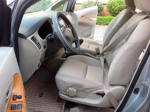 Gia đình tôi cần bán xe Innova G đời 2011-6
