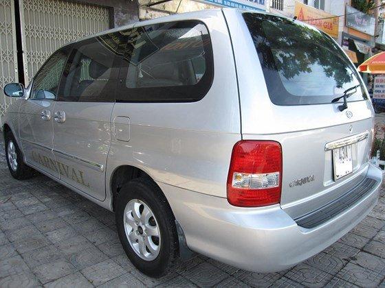 Cần bán Kia Carnival đời 2006, màu bạc, nhập khẩu chính hãng, như mới, giá 298tr-8