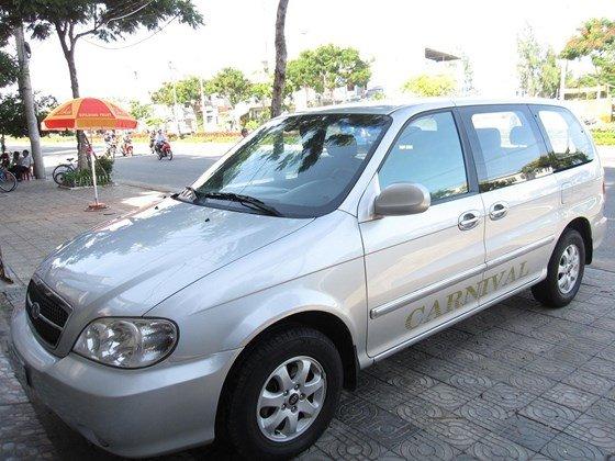 Cần bán Kia Carnival đời 2006, màu bạc, nhập khẩu chính hãng, như mới, giá 298tr-0