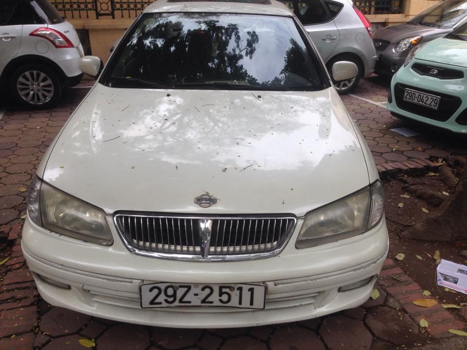 Xe Nissan Sunny đời 2000, màu trắng, nhập khẩu nguyên chiếc-0